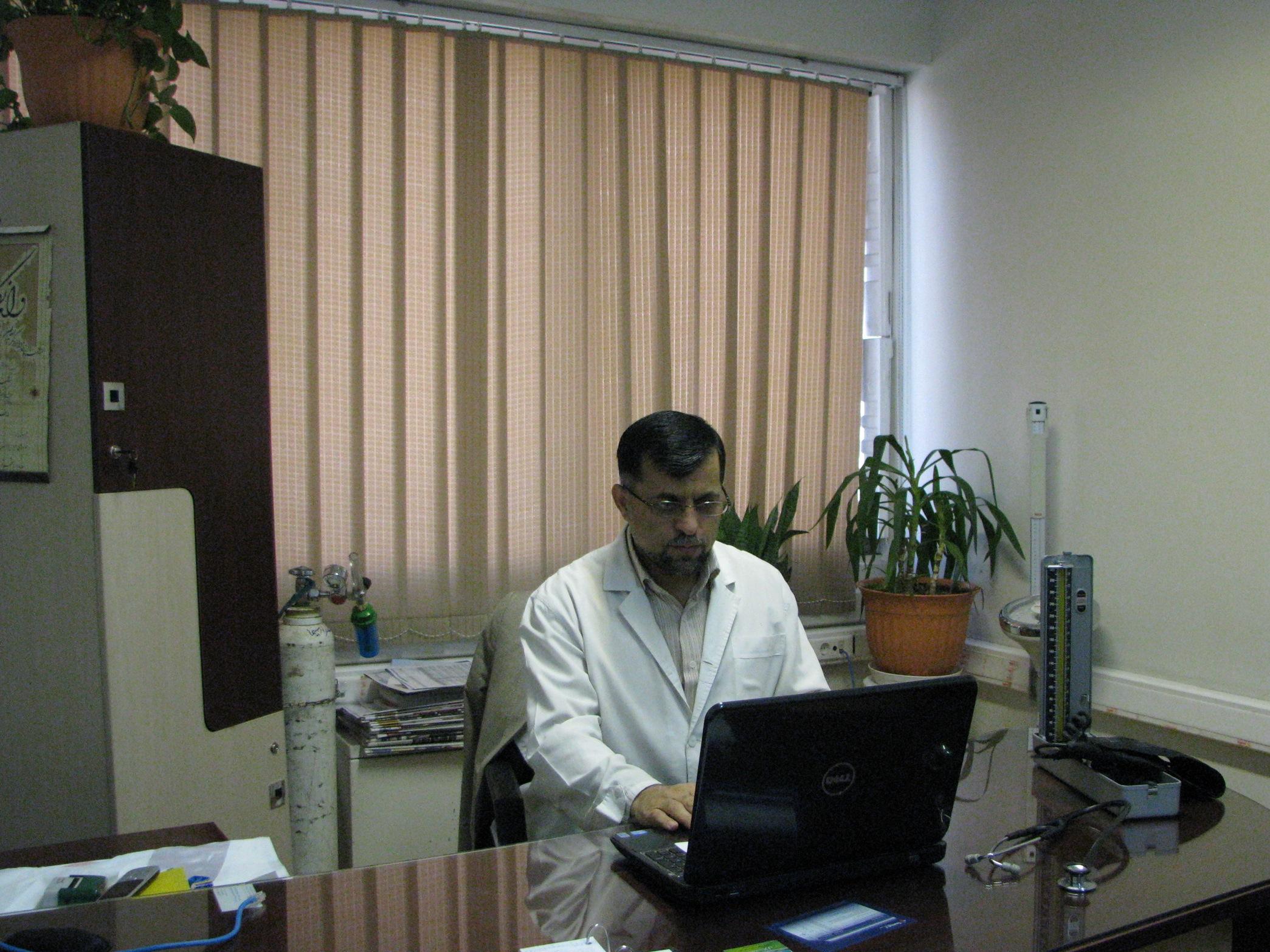دکتر محمدمهدی اسعدی متخصص طب سوزنی کلینیک طب سوزنی تهران ایران